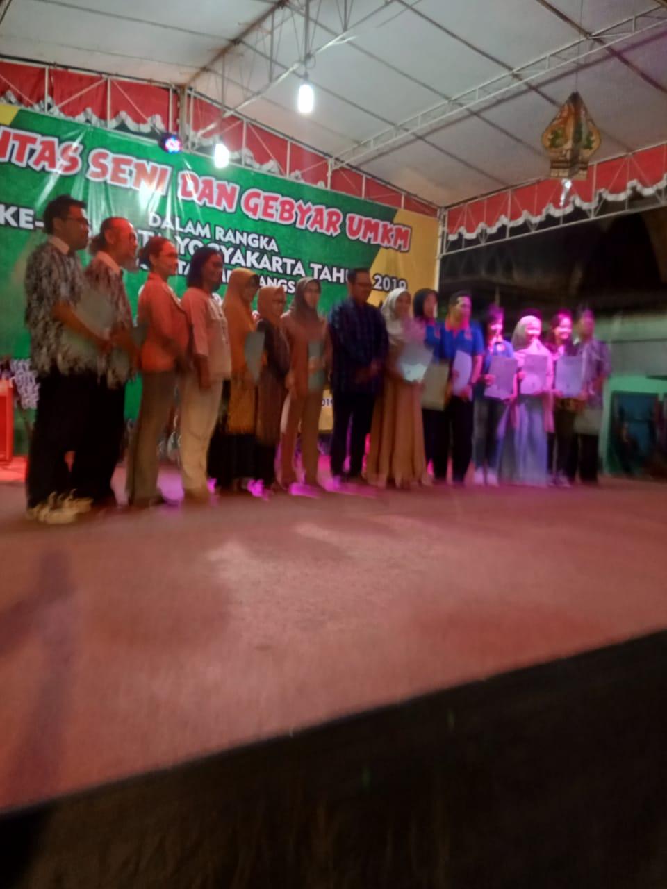 Hari ke-03 :  Dimeriahkan Carnaval  dan Foto Bersama Warga Berprestasi dengan  Wakil Walikota Yogyakarta dalam  Penutupan HUT Kota di Kec. Mergangsan