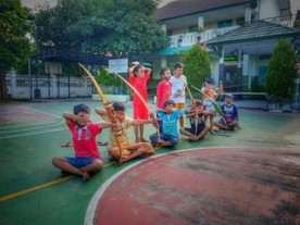 Anak-anak Kampung Pujokusuman lestarikan Jemparingan