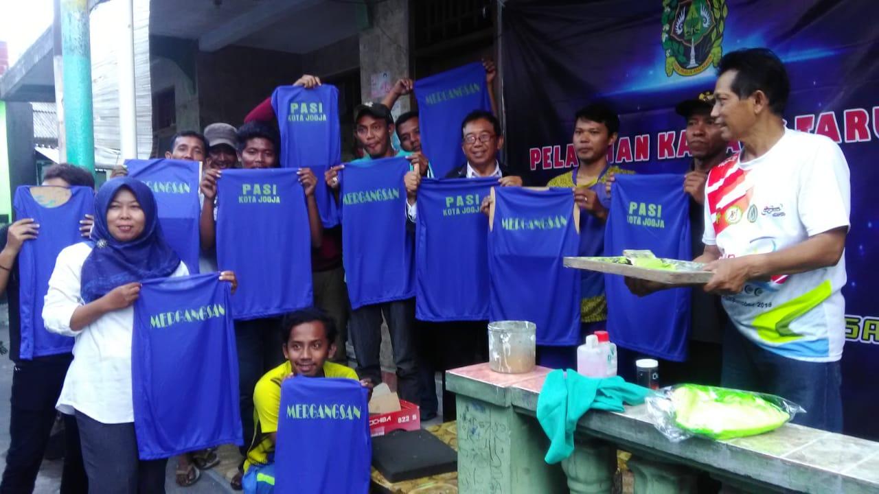 Pelatihan sablon kepada Karangtaruna Kecamatan Mergangsan, tanggal 6 November 2019